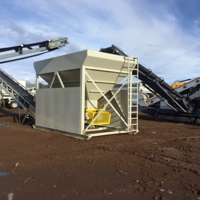 Cat Bins Hoppers & Feeders For Rent | Wheeler Machinery Co